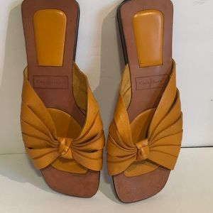 Cole Haan slip resistant open toe sandals Sz 7.5